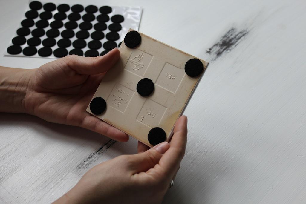 my becher his fliesen untersetzer annefaktur. Black Bedroom Furniture Sets. Home Design Ideas