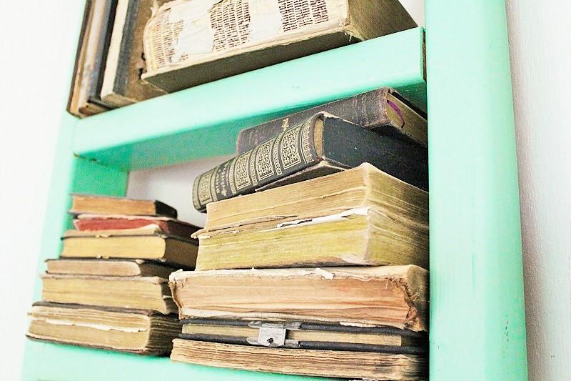 DIY Leiter-Bücherregal Annefaktur.de