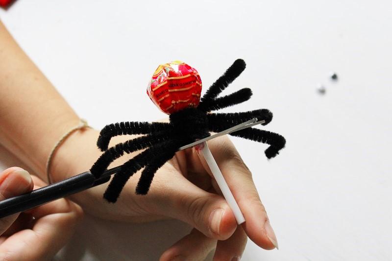 Bastelblog, Berlin, Annefaktur, Bastelidee, Bastelideen, basteln, Deko, DIY, Do it yourself, Halloween, Kinder, Kreativblog, Kreativideen, selbermachen, selbstgemacht, Spinnen, Süßes oder Saures, Süßigkeiten