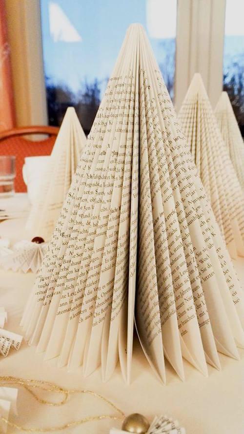 Weihnachtsbäume aus Büchern Annefaktur.de