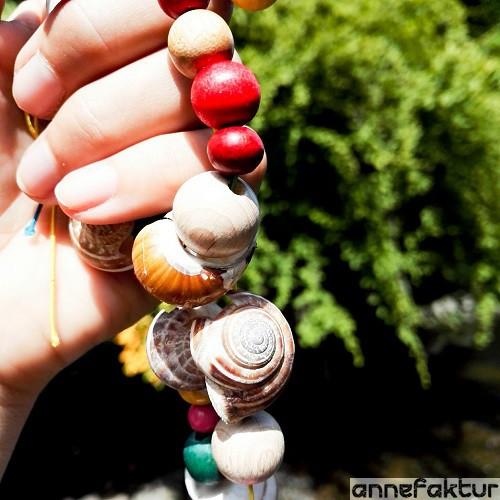 Schneckenhäuser, Fundstücke, Urlaub, Arulaubsmitbringsel, Geschenkee aus dem Urlaub, DIY, Bastelblog, selbermachen, Hänger mit Perlen basteln, Bastelblog aus Berlin, Annefaktur.de