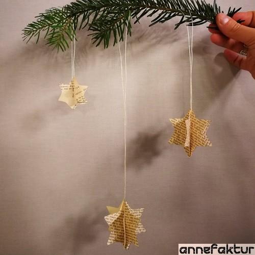 Papiersterne Weihnachtsbeleuchtung.Weihnachtssterne Aus Buchseiten Und Keksausstechern